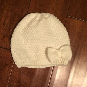 Gymboree White Knitted Bow Beanie Size 2T-3T